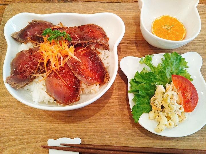 くまカフェ ローストビーフ丼