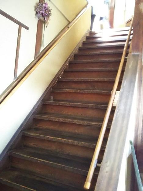 蔵カフェこうらく 階段