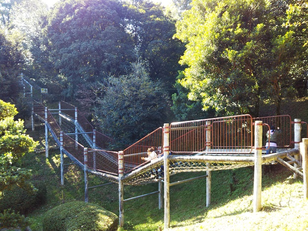 小松中央公園 トリムコース ネットの橋