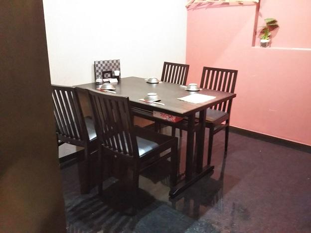囲味庵 テーブル席