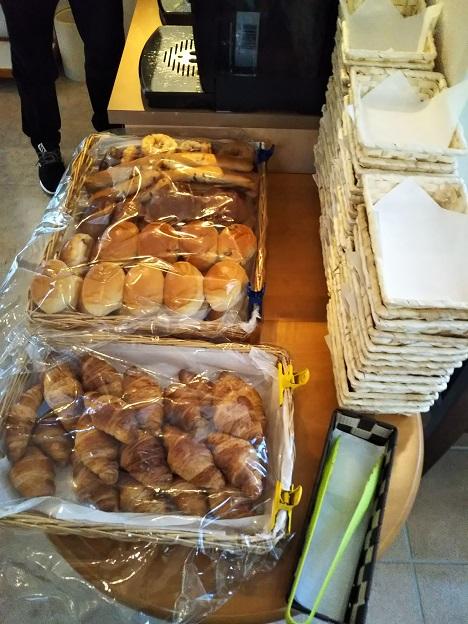 ファミリーロッジ旅籠屋 宮島SA店 パン