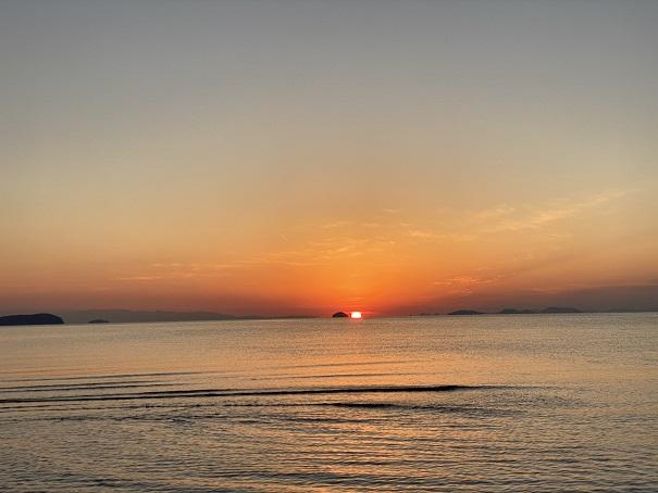 父母ヶ浜海岸と沈む夕日