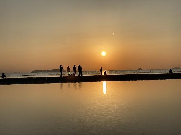 普通の位置から撮った父母ヶ浜の写真
