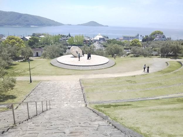 小豆島オリーブ公園 石のステージ上から