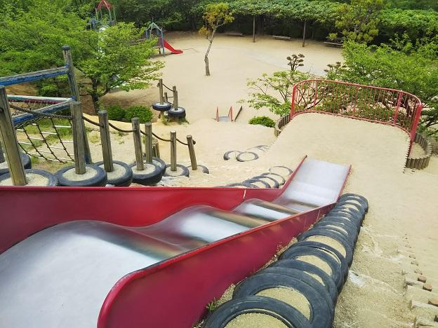 種松山公園西園地 ちびっこ広場 すべり台