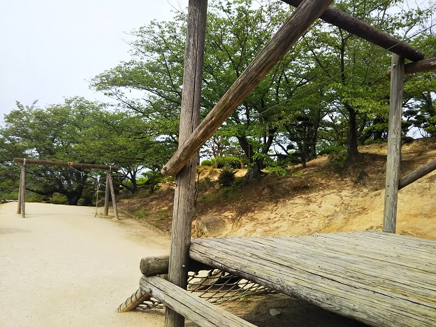 種松山公園西園地 冒険の森 ターザンロープ