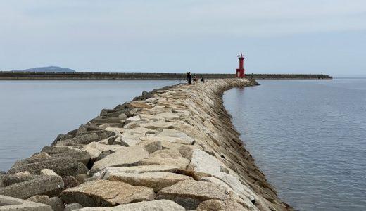 豊浜港でキスの引き釣り 赤灯台がある防波堤 観音寺市