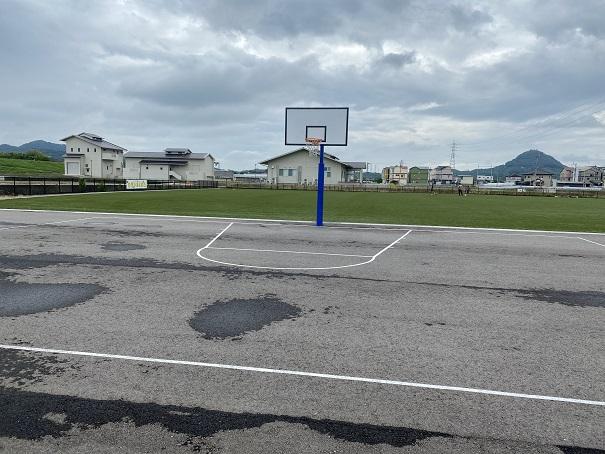 ミニバスケットボール用の260cmのバスケットゴール