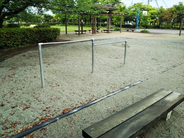 堀江公園鉄棒と砂場