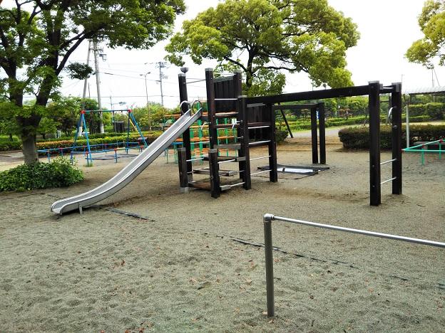 堀江公園すべり台
