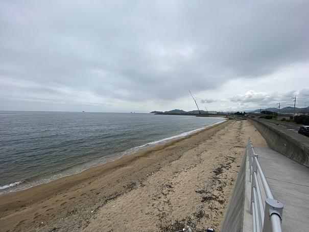 横内海岸の砂浜