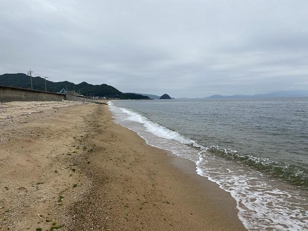 横内海岸で海水浴