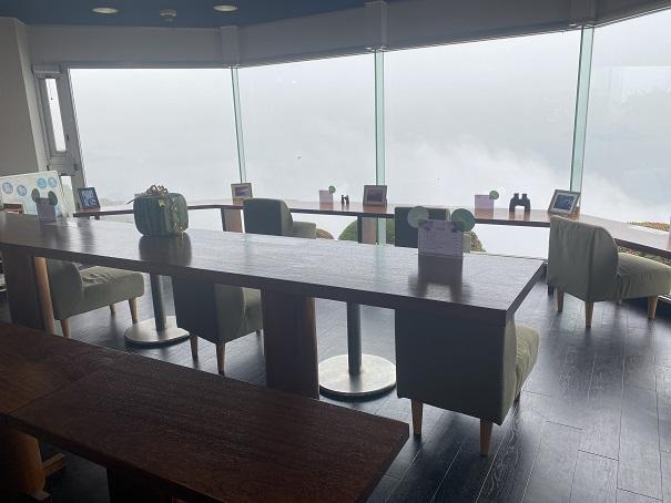 紫雲出山 絶景カフェ店内
