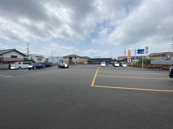 中野うどん学校高松校 駐車場