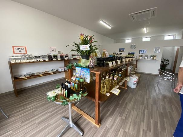 小豆島オリーブカンパニー 店内1