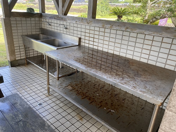 浮津海水浴場洗い場調理場