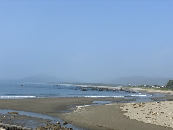 浮津海水浴場砂地