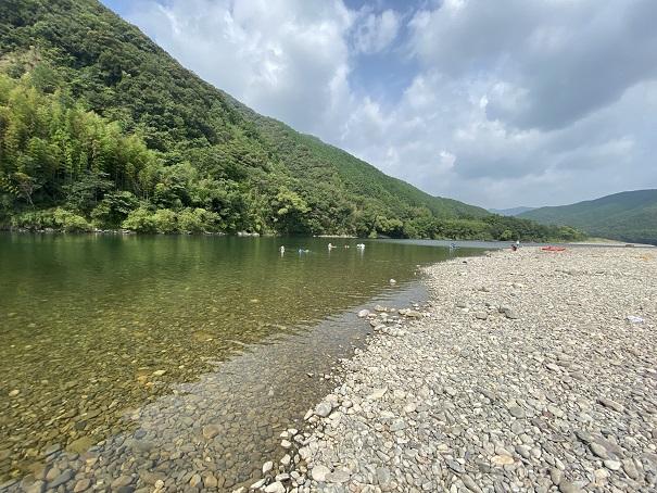四万十カヌーとキャンプの里かわらっこの四万十川