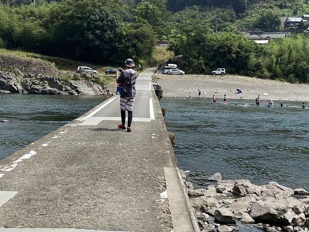 長生沈下橋を歩く