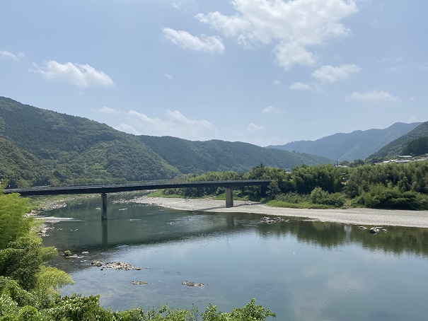 小野大橋の橋下 四万十川