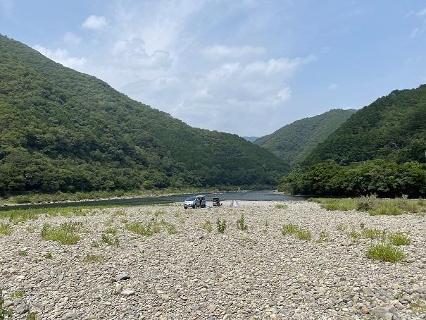 三島キャンプ場四万十川の川原