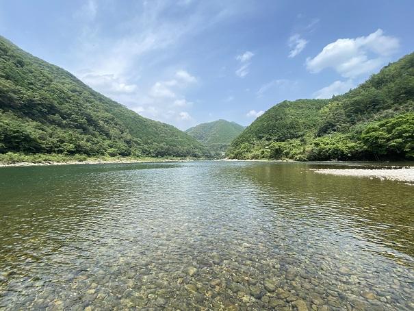 三島キャンプ場の四万十川