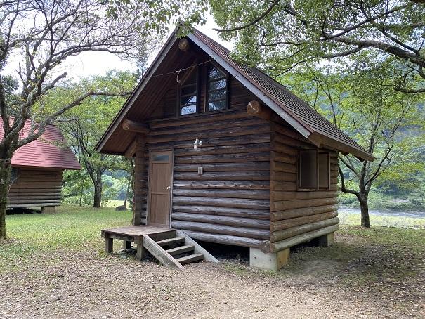 三島キャンプ場ハンガロー