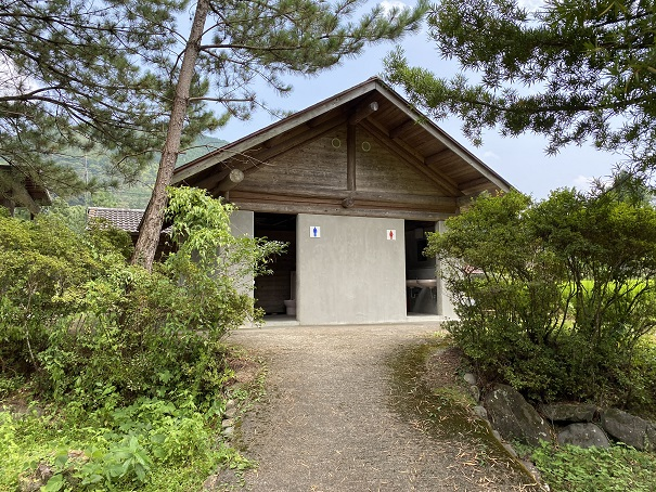 三島キャンプ場トイレ