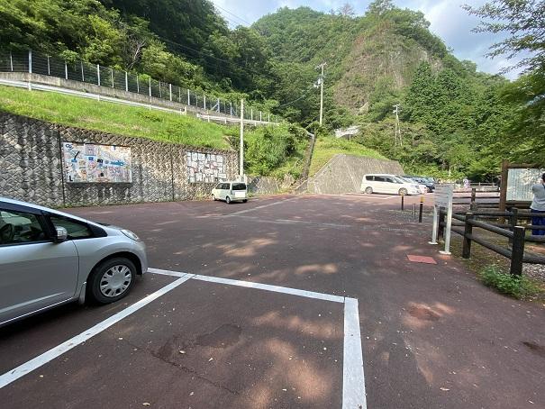 三霞洞温泉公園 駐車場
