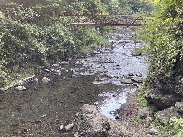 美霞洞渓谷 川