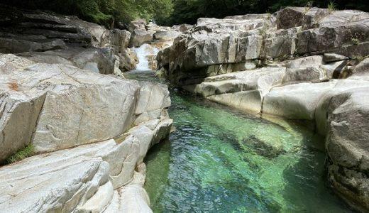 面河渓 仁淀ブルー源流 面河川 日本一美しい川遊び 飛び込みと観光 久万高原町