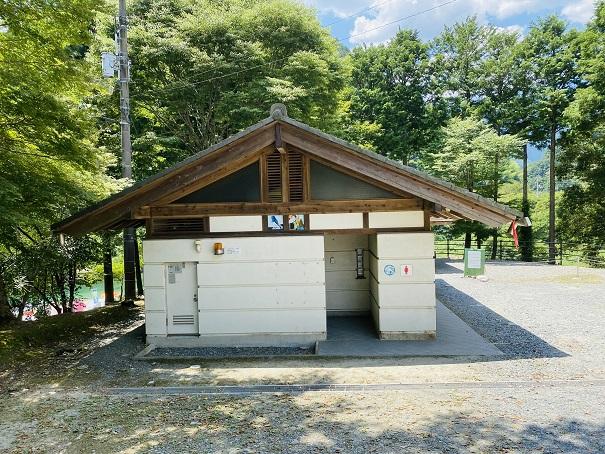 宮崎の河原キャンプ場トイレ