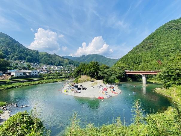 宮崎の河原キャンプ場風景