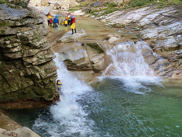 面河渓天然ウォータスライダー