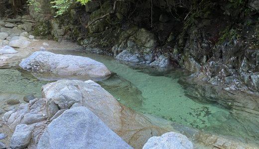 鈍川渓谷きれいな清流木地川で川遊び ふれあいの森のキャンプ場と温泉 今治市