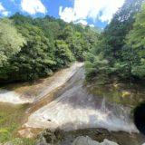 滑床渓谷雪輪の滝