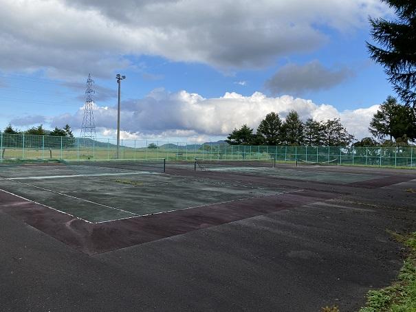 平成荘 テニスコート
