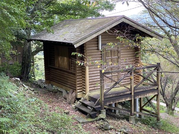 高鉢山キャンプ場 バンガロー