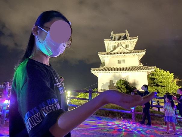 丸亀城の天守閣を持ったインスタ映え写真