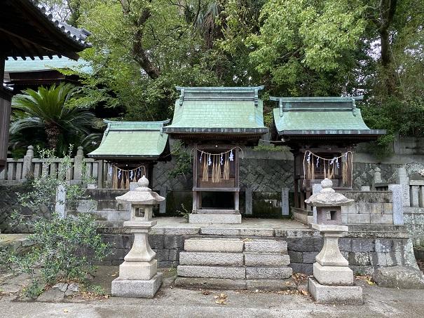 伊吹八幡神社 3つの祠