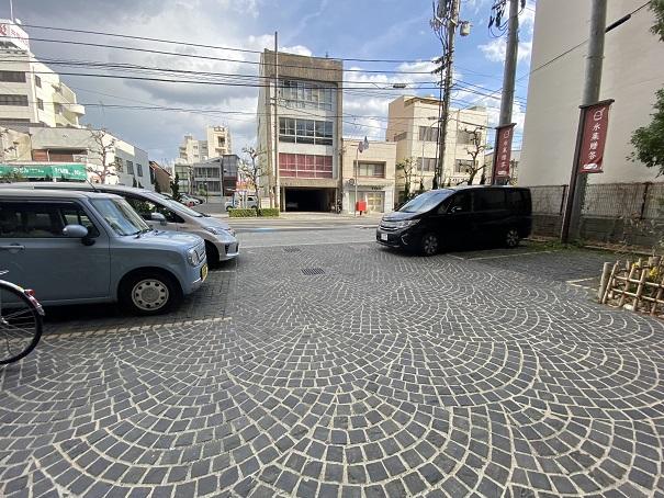 アイスビストロヒライ駐車場