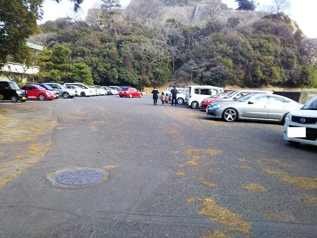 丸亀城 資料館駐車場