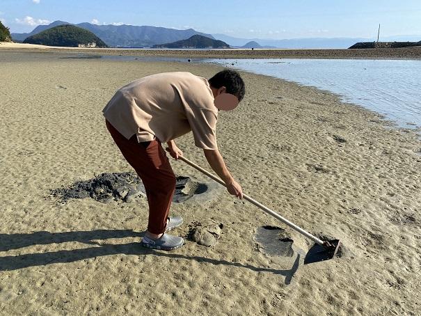 鴨之越と丸山島でマテ貝潮干狩り