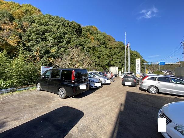 岩部八幡神社 国道沿い駐車場
