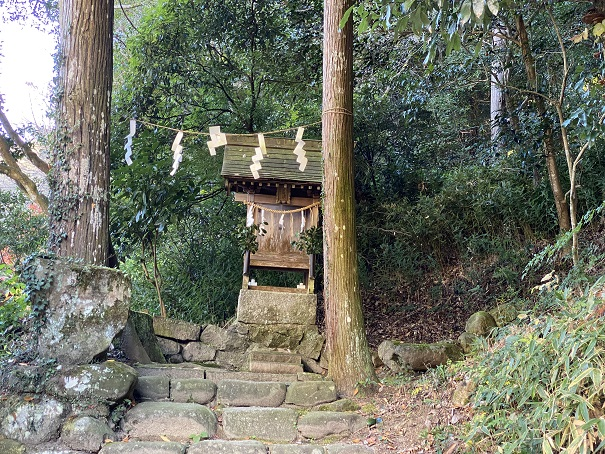 岩部八幡神社 素婆倶羅神社 霊神社