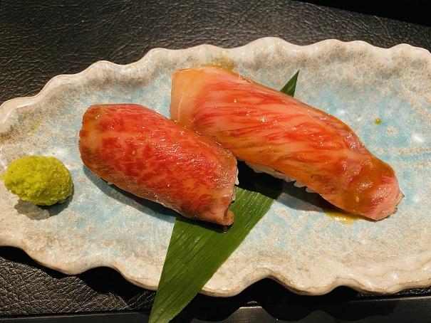 宮崎牛の炙り寿司サーロインと上カルビ