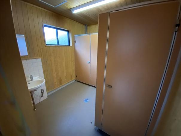 落岩園地 トイレ