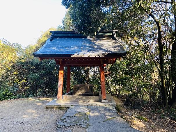 白峰神社手水舎