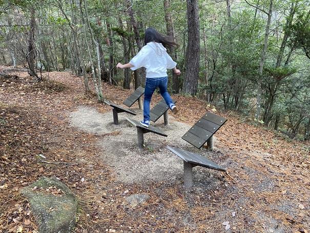 国立吉備青少年自然の家アスレチック 斜面跳び