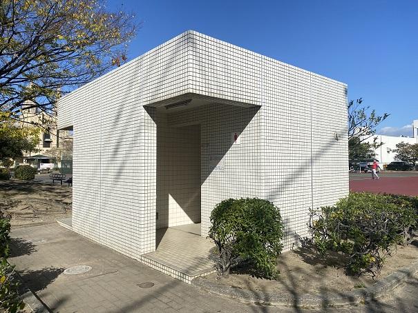 宇多津3号公園テニスコート トイレ